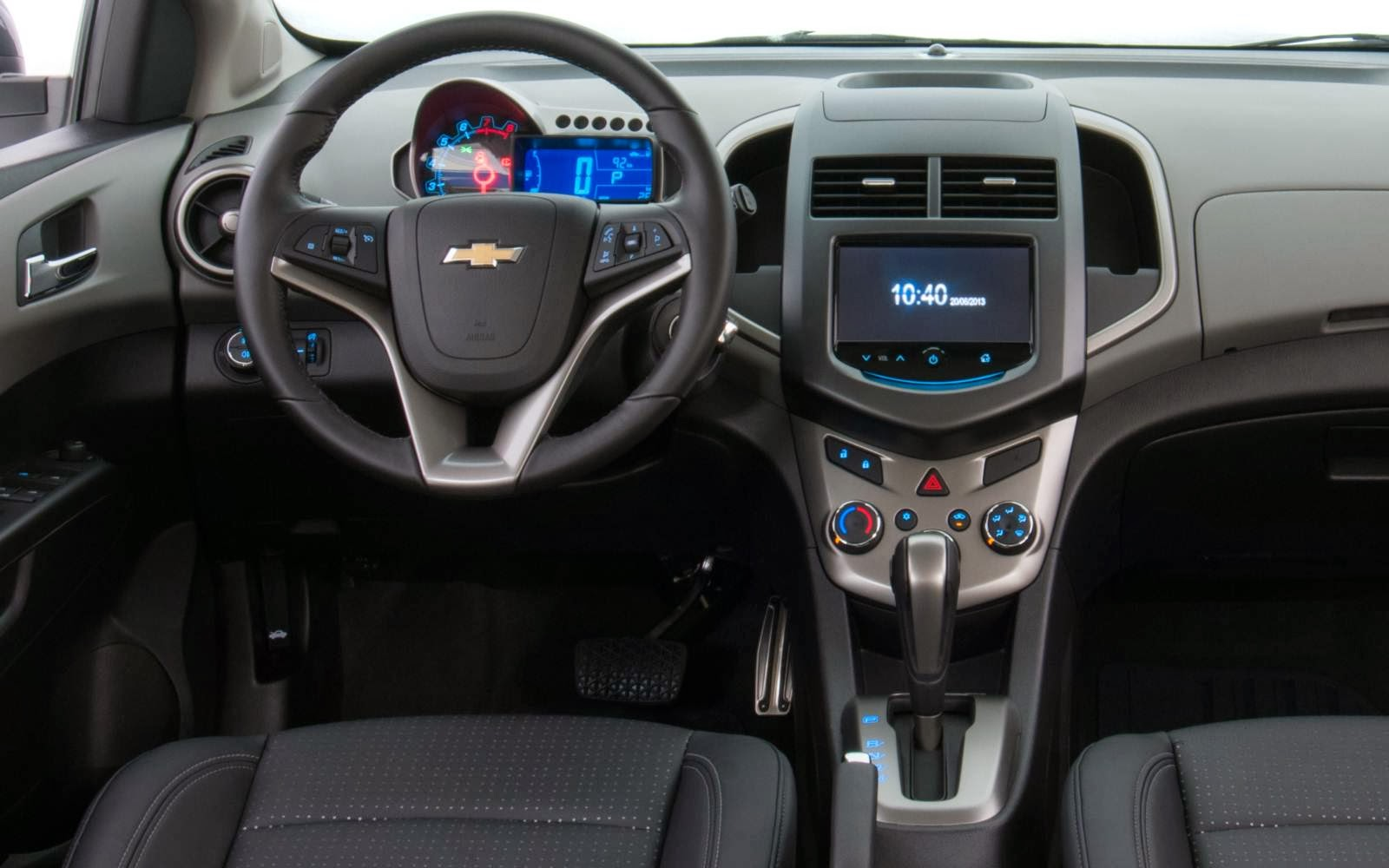 Novo-Chevrolet-Sonic-2014-interior